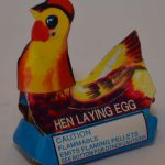 Novelty Fireworks – Hen Laying Egg (2)